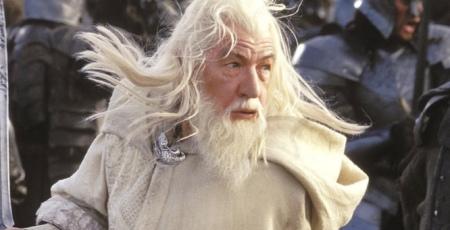 Bro u r getting blud on my white cloak
